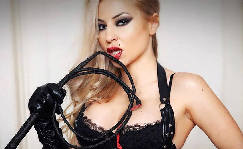 Cruel live dominatrix