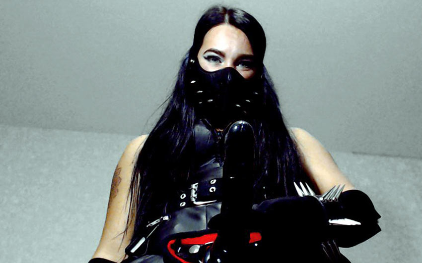 Strapon dominatrix live session